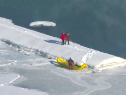 20-year-old man falls into Lake Michigan's freezing water in Chicago (VIDEO)