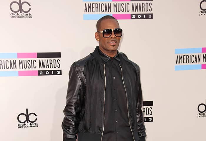 Singer R. Kelly attacked in his jail cell